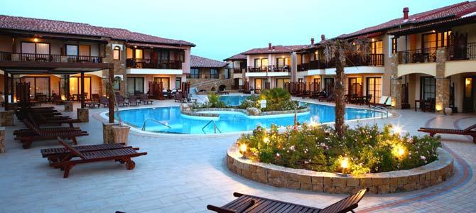 Θερμομόνωση βατού δώματος στο Anthemus Sea hotel στην Χαλκιδική με το Politerm Blu επιφάνειας 2.000sqm