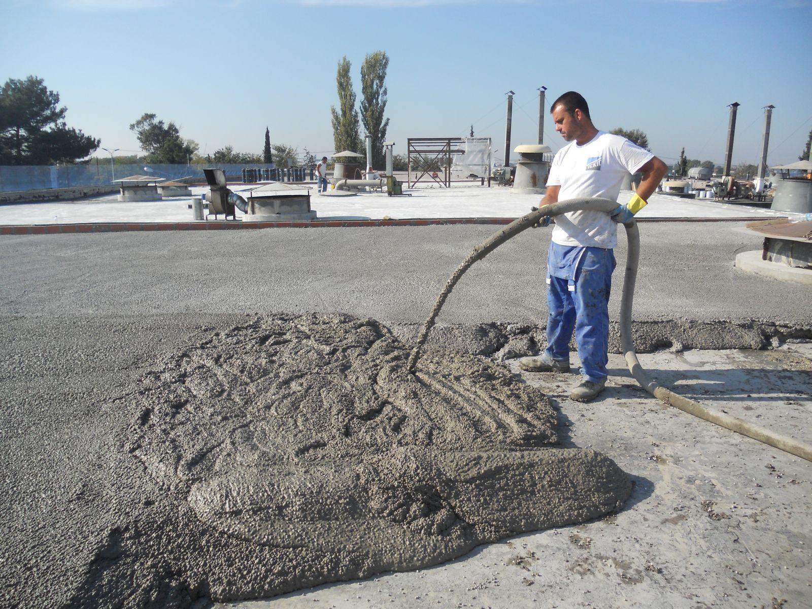 Θερμομονωση δώματος με το Politerm Blu στην Crown Hellas Can στην ΒΙΠΕ Σίνδου επιφάνειας 5.000sqm. Συνολικά 1.000 κυβικά