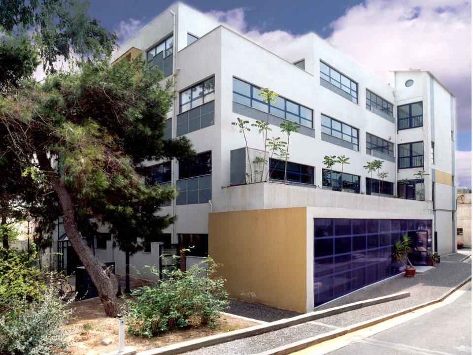 Θερμομόνωση δώματος στο ινστιτούτο Παστέρ στην Αθήνα με το Politerm Blu επιφάνειας 800sqm