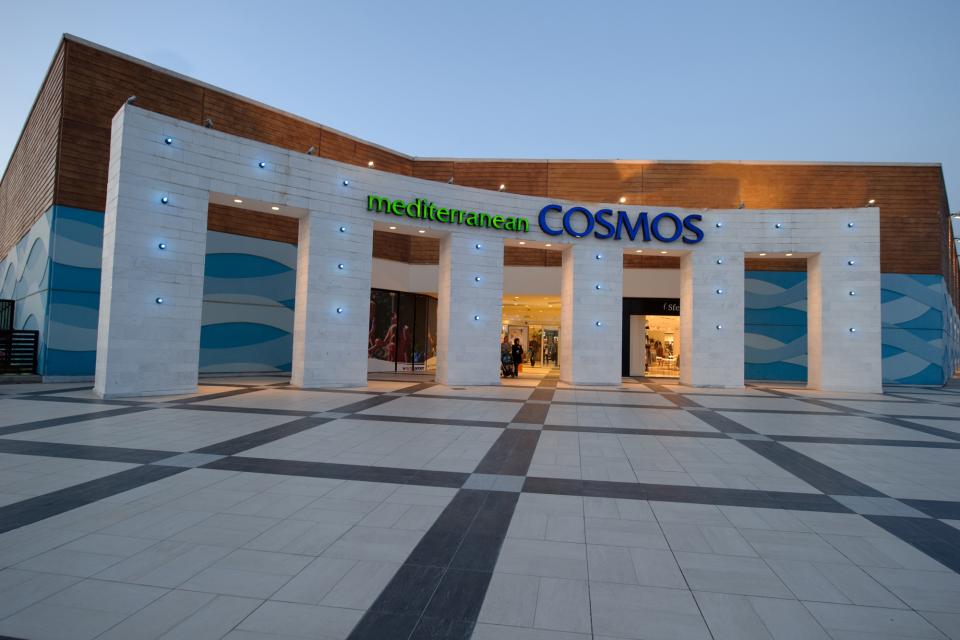 Έτοιμο θερμομονωτικό κονίαμα Poliplus Fein σε δάπεδα τελικής στρώσης στο Mediterranean Cosmos στην Πυλαία Θεσσαλονίκης επιφάνειας 2.000sqm - Ready to use ultra-lightweight Poliplus Fein on floors at Mediterranean cosmos shopping center in Thessaloniki. Su