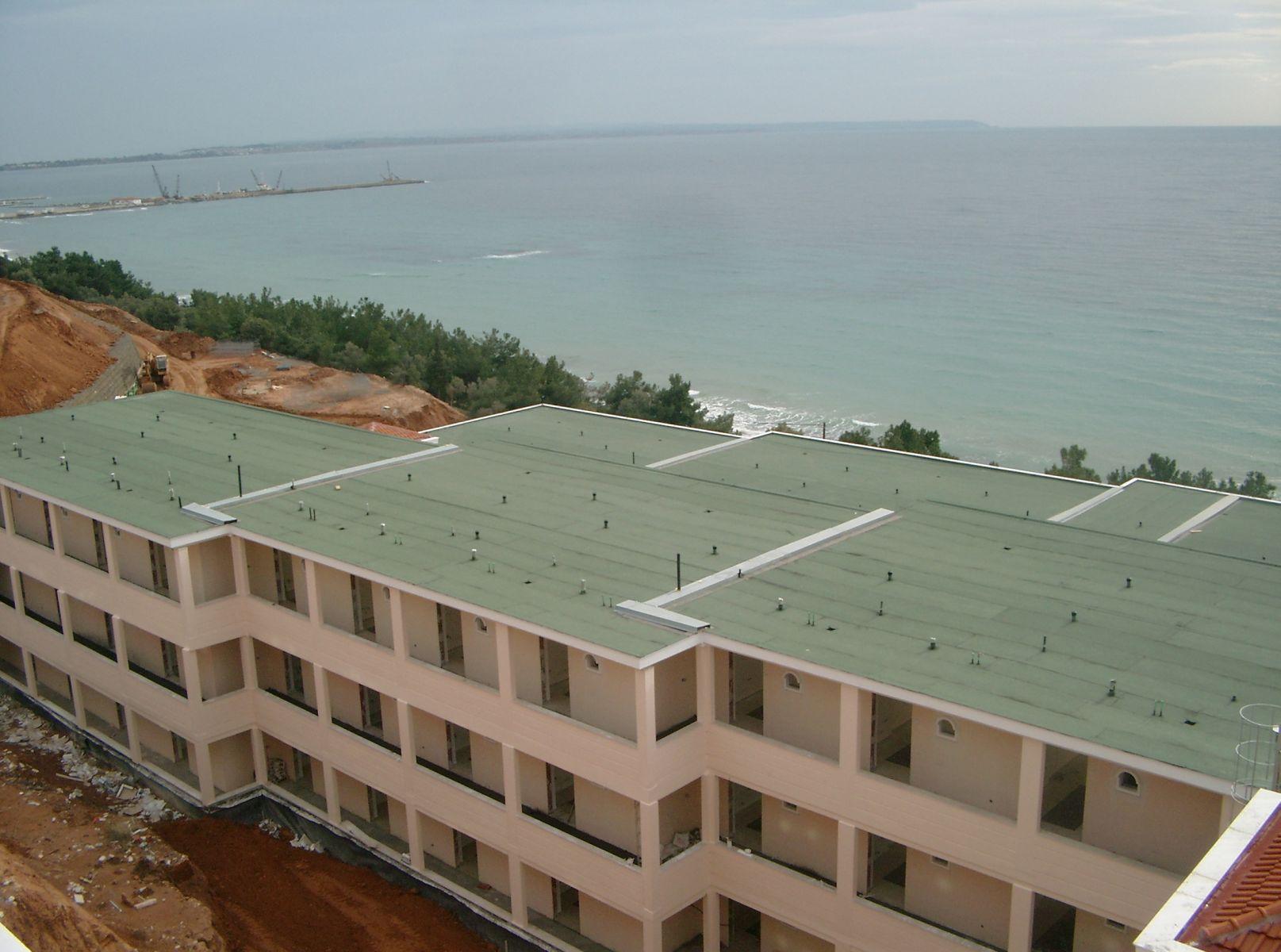 Θερμομόνωση δώματος στο ξενοδοχείο Oceania στην Χαλκιδική επιφάνειας 3.000sqm