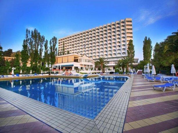 Θερμομόνωση δώματος στο Pallini Beach Hotel στην Χαλκιδική με το Politerm Blu επιφάνειας 3.500sqm