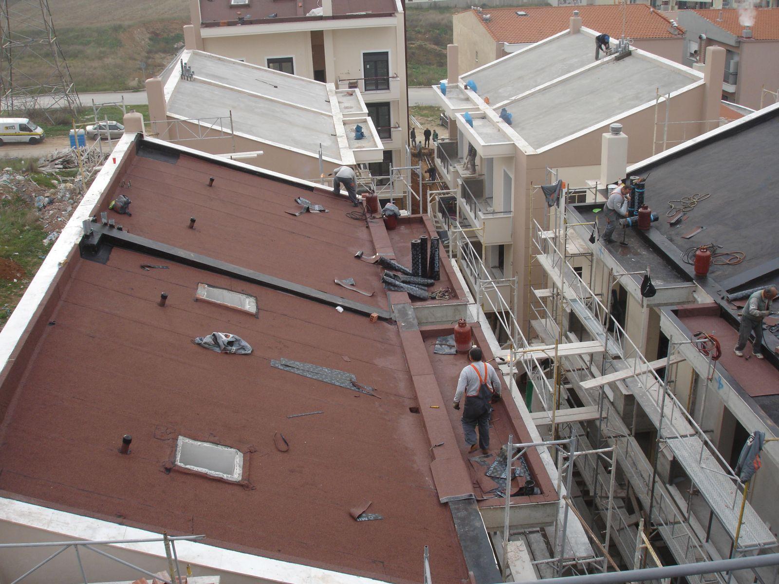 Θερμομόνωση κεκλιμένων στεγών σκυροδέματος με Politerm Blu σε συγκρότημα κατοικιών στην Πυλαία Θεσσαλονίκης επιφάνειας 1.000sqm