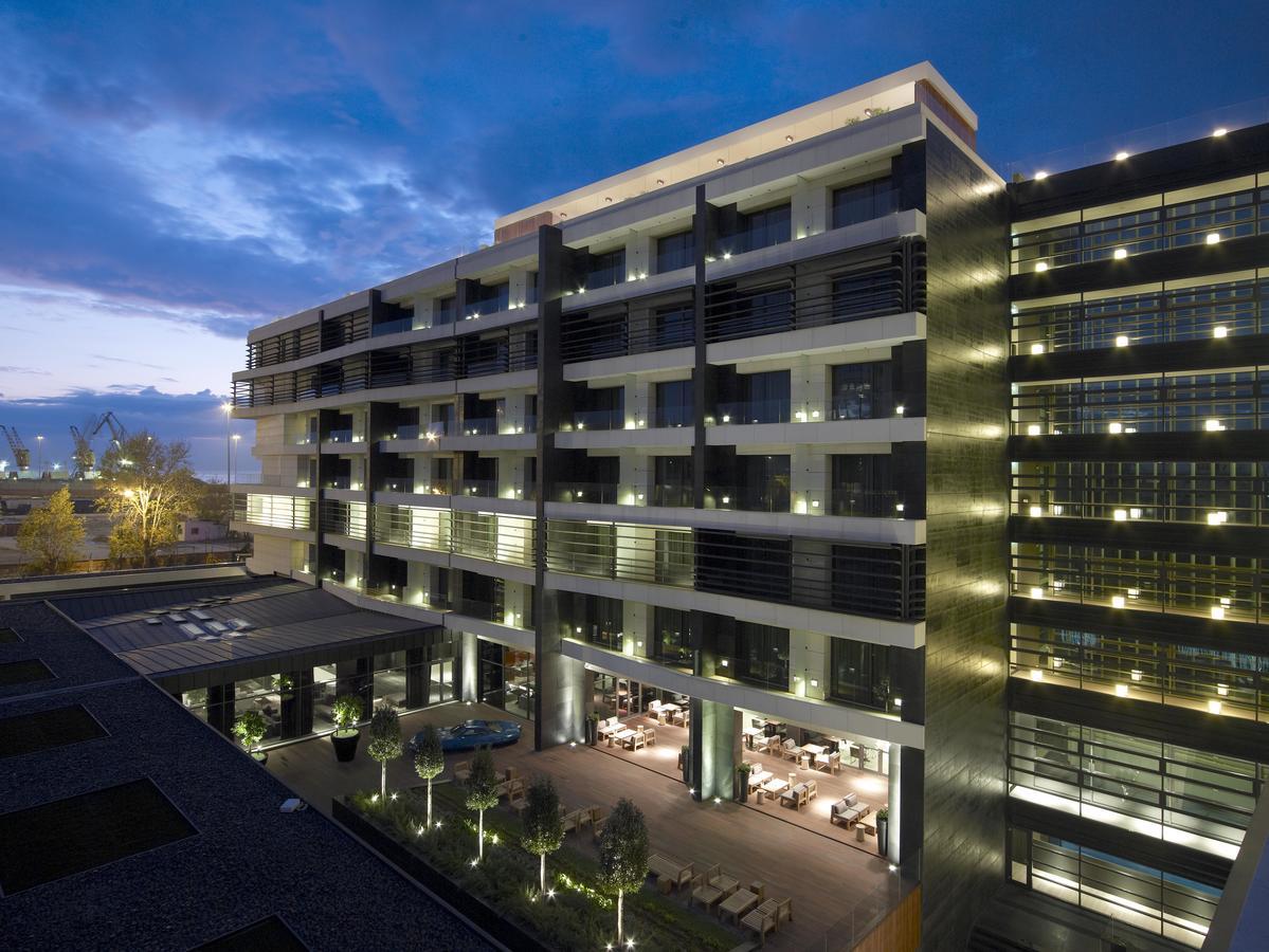 Δάπεδα στο The Met Hotel Thessaloniki επιφάνειας 7.500sqm με το Politerm Blu Fein