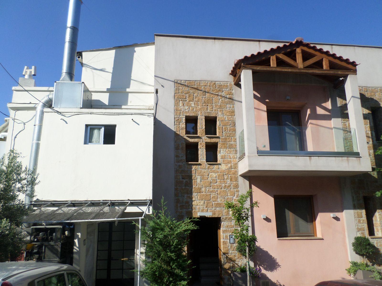 Εξωτερική θερμοπρόσοψη με θερμοσοβά Tektoterm σε ιδιωτική κατοικία στην Άνω Πόλη Θεσσαλονίκης. Πάχος εφαρμογής 18-20cm