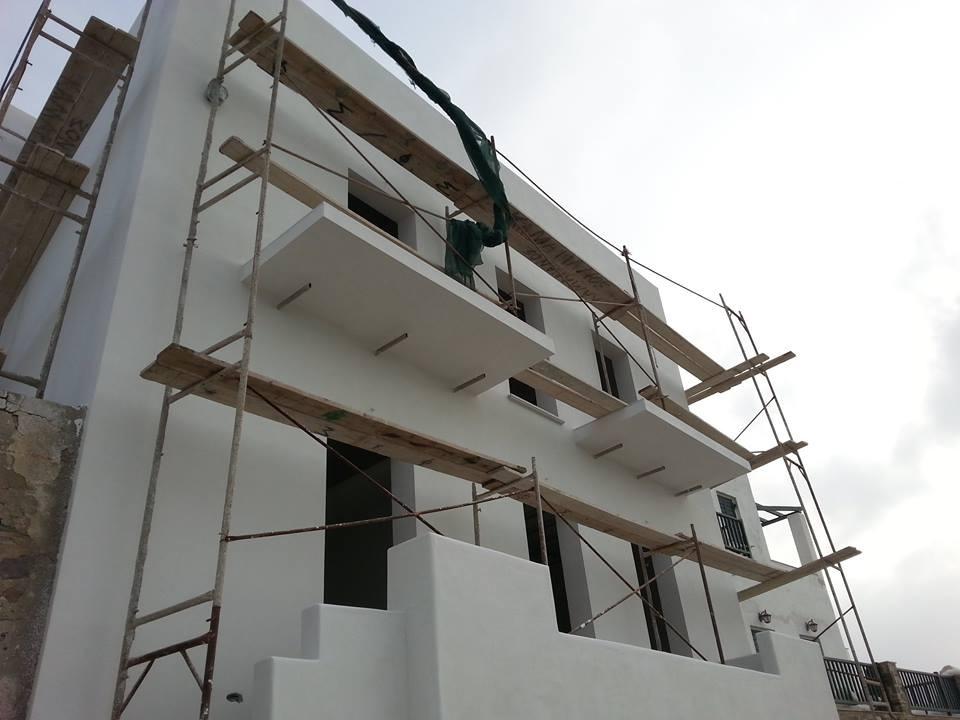 Εξωτερική θερμοπρόσοψη με θερμοσοβά Tektoterm σε ιδιωτική κατοικία στην Πάρο