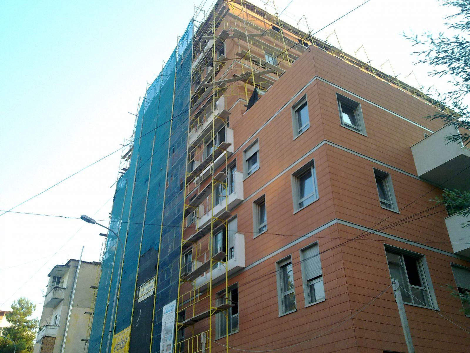 Θερμομονωτικά δάπεδα τελικής στρώσης στα Τίρανα-Αλβανία με το Politerm Blu Fein